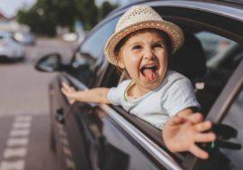 Lange Autoreise? So beschäftigst du deine Kinder